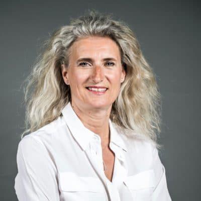Karine becker sois belge et tais toi