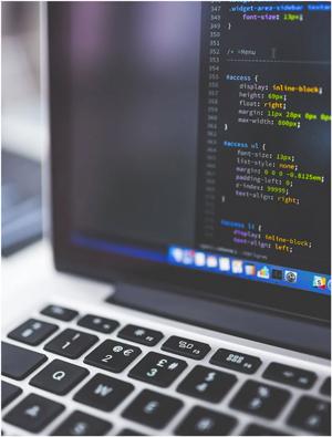 Le code derriere une page web créée par l'agence Poush